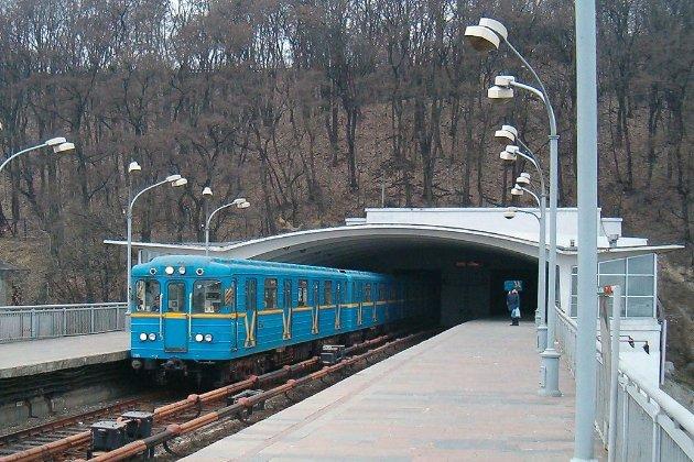 У київському метро можна буде пройтися між вагонів