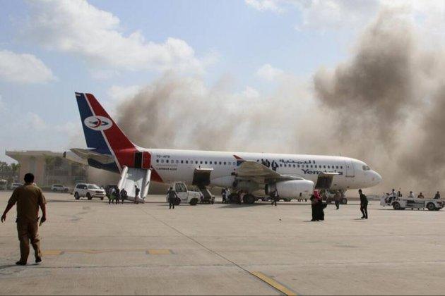 У Ємені кілька десятків людей загинуло внаслідок обстрілу аеропорту і вибуху біля президентського палацу (відео)