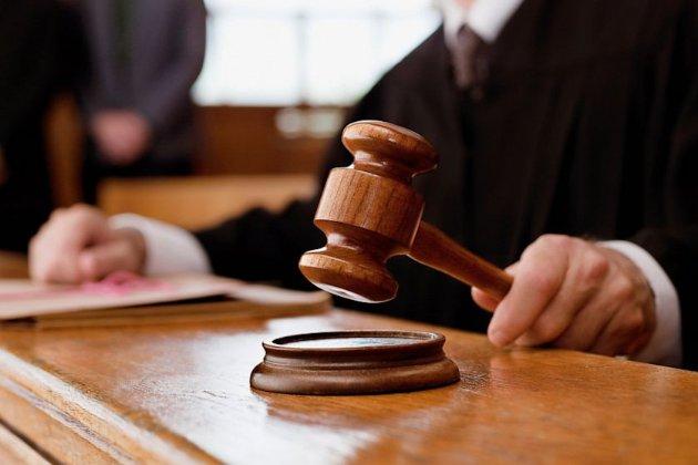 Поліція шукала Микитася, а він прийшов до суду