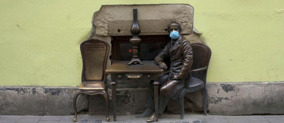 Cвято непослуху. Коронакриза переходить у владну кризу в Україні