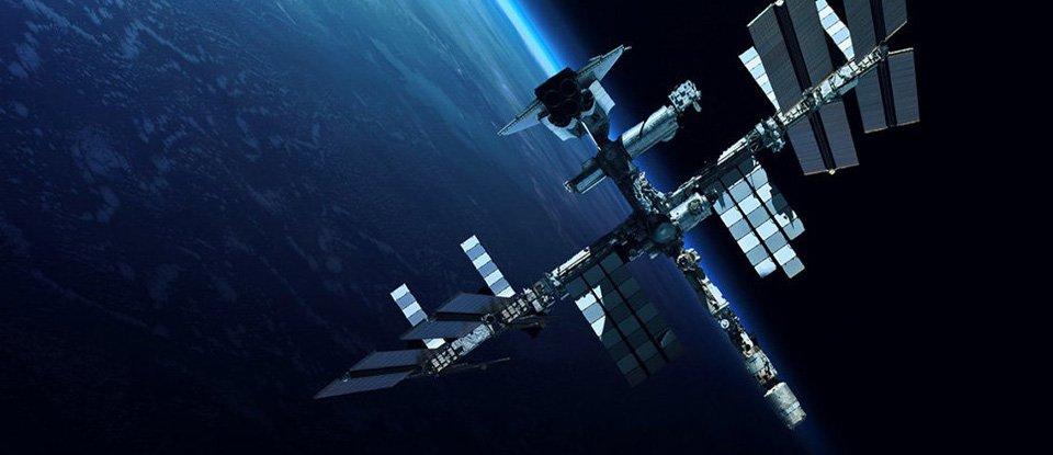 Прах та іграшки. Дивні речі, які побували на борту Міжнародної космічної станції