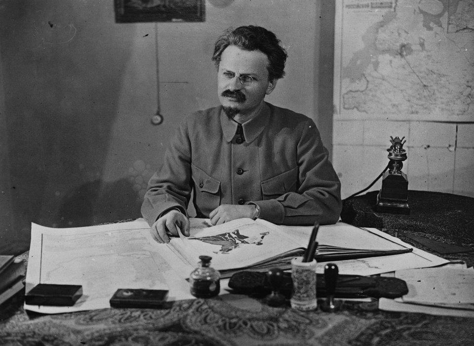 Лев Троцький був одним з організаторів жовтневого перевороту / Getty images