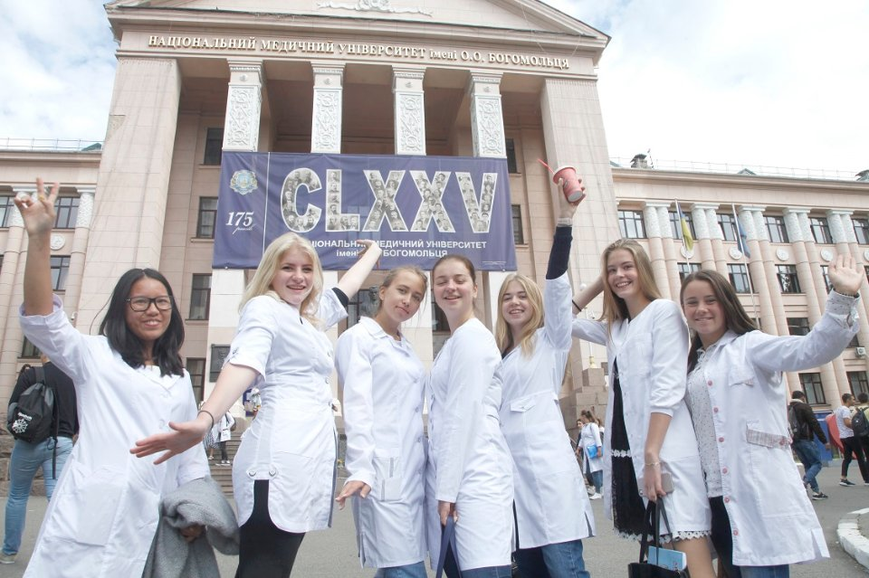 Українська медосвіта давно стала одним з символів корупції / відкриті джерела