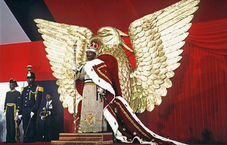 Бокасса в імператорській мантії на троні у вигляді орла / GettyImages