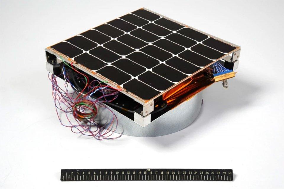Сонячна панель розміром з коробку для піци — прототип космічної електростанції