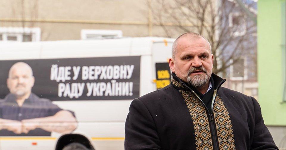 Кампанію провладного кандидата Вірастюка підтримав особисто Володимир Зеленський