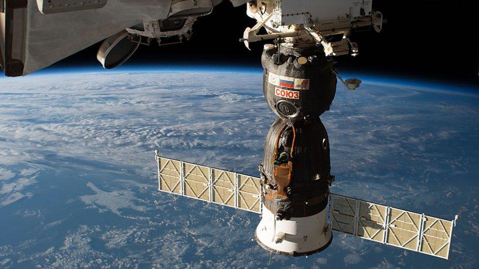 Космічний корабель «Союз» зістикований з МКС