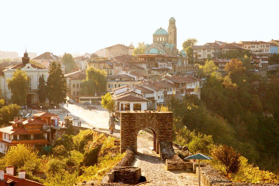 Вакцинацію у Болгарії можна поєднати з прогулянками по столиці та поїздкою у гори / Getty Images