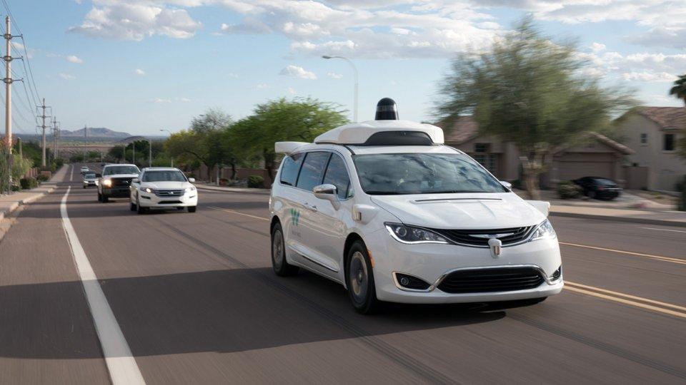 Мешканці штату Аризона можуть замовляти повністю автономні таксі Waymo