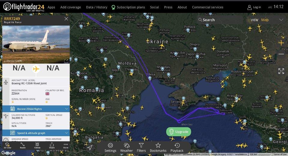 Траекторія польотів розвідників над Чорним та Азовськими морями / Flightradar