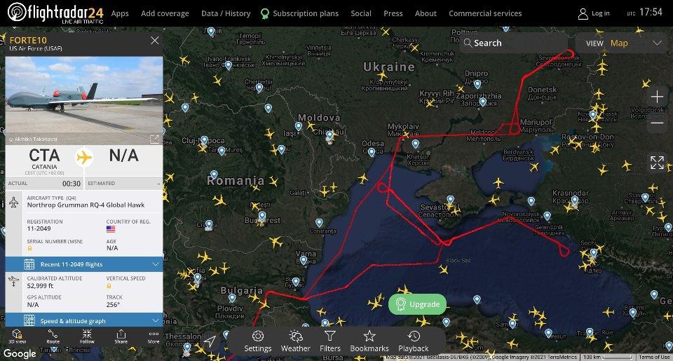 Траекторія польоту стратегічного бомбардувальника над Чорним та Азовськими морями / Flightradar