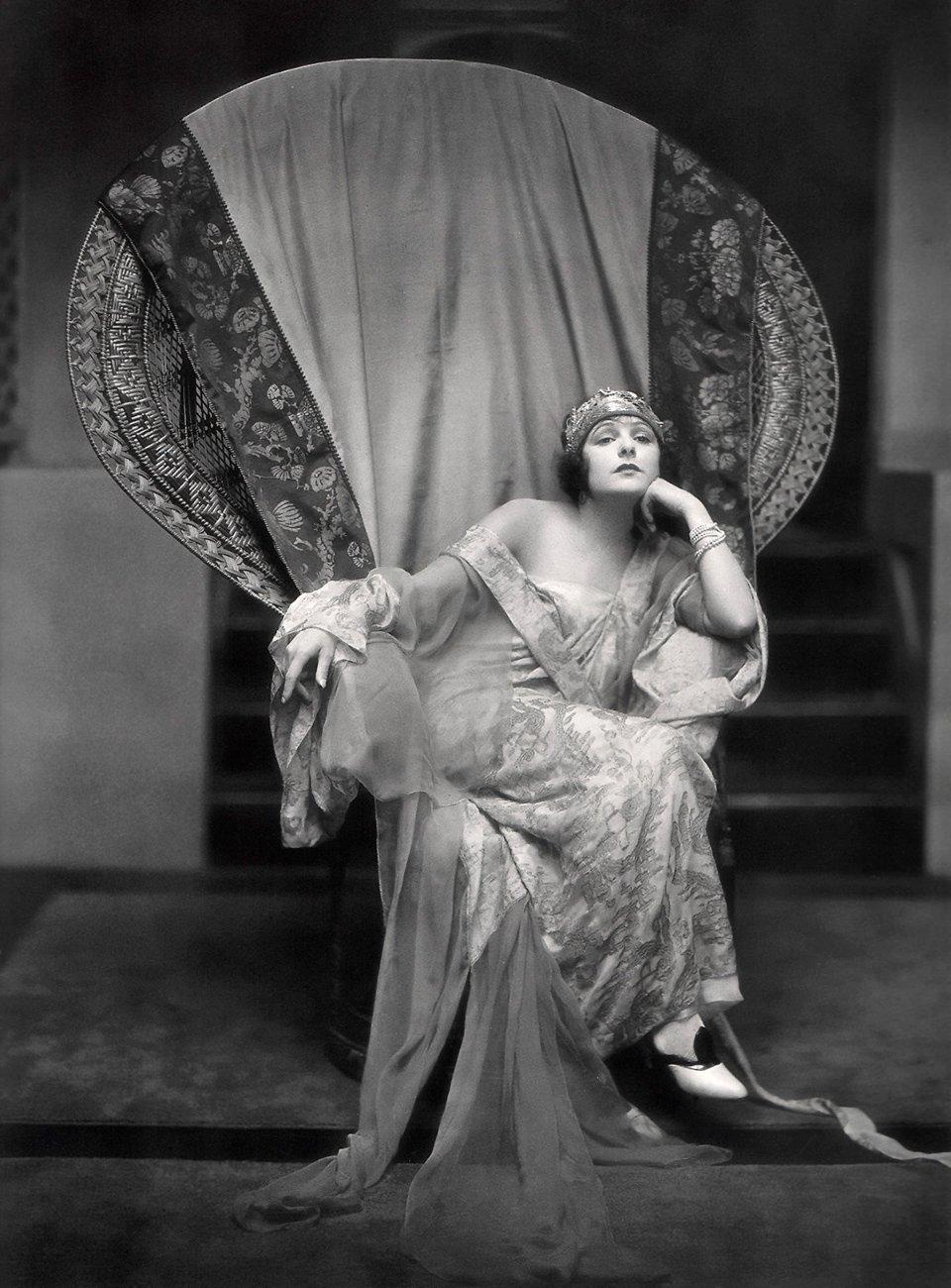 Норма Толмадж була актрисою німого кіно