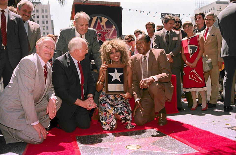 На Алеї серед інших вшанували співачку Тіну Тернер... / Getty Images