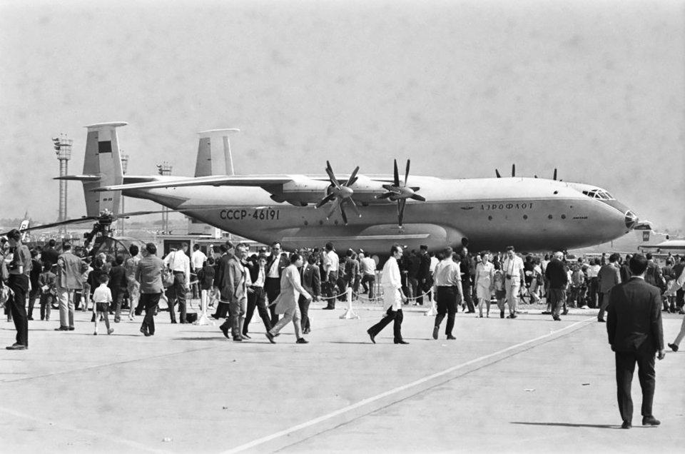 Ан-22 на авіавиставці в Ле-Бурже, 1965 рік / Getty Images