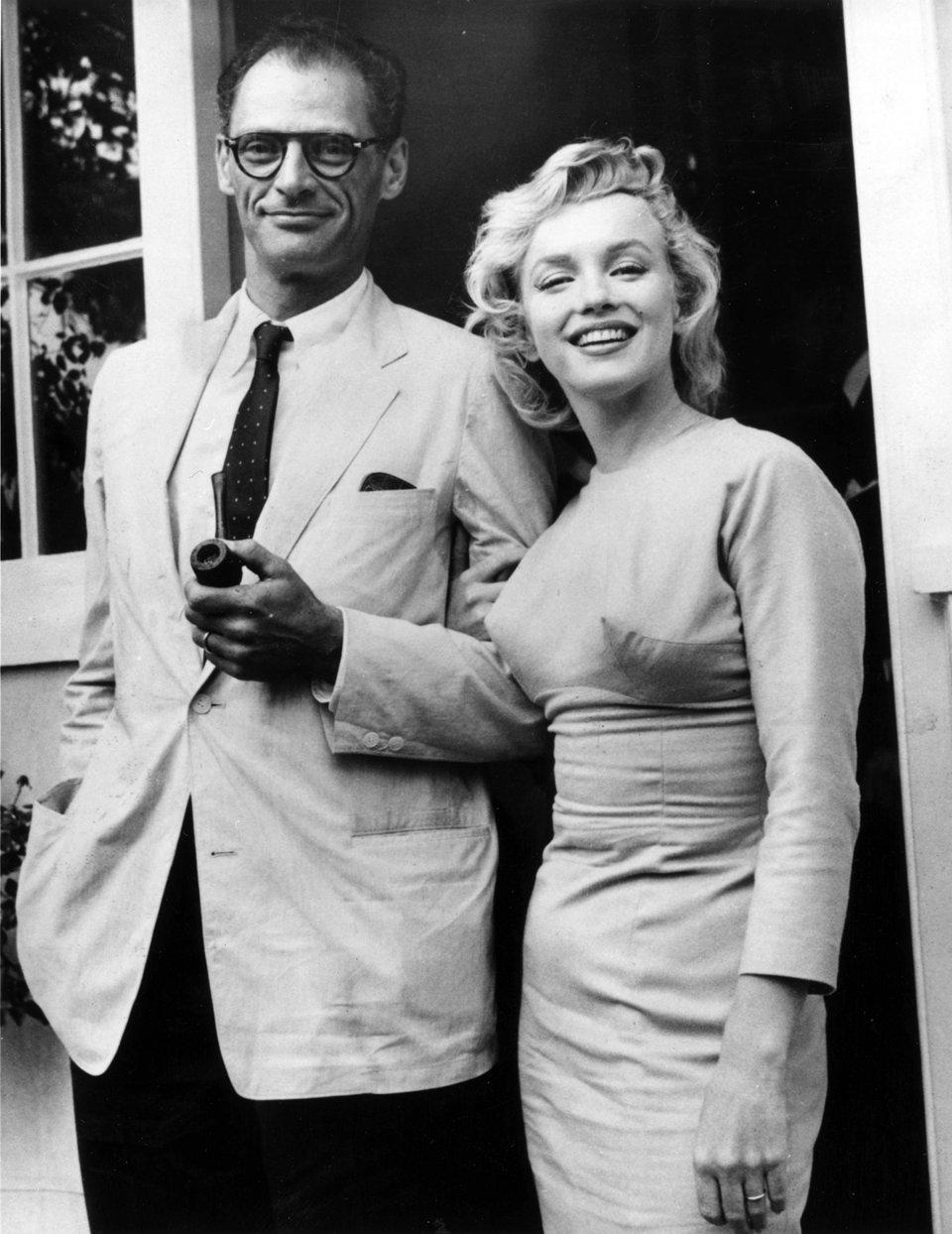 Монро і її третій чоловік, драматург Артур Міллер,1956 рік / Getty Images