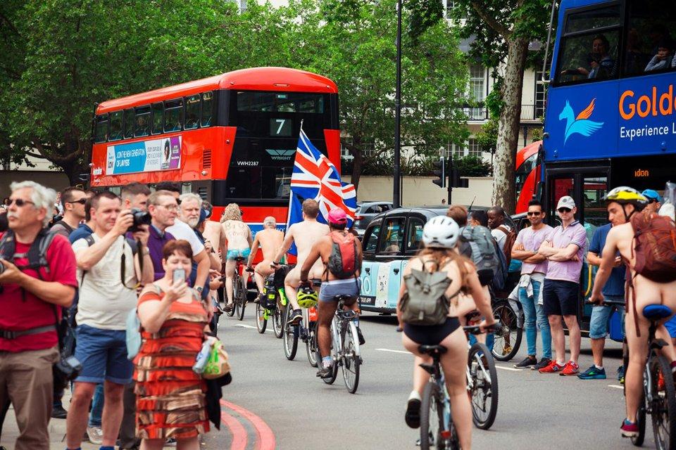 «Голий» заїзд в Лондоні