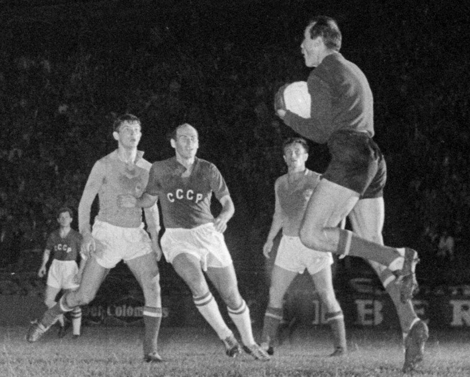 На Кубку Європи 1960 року грали лише чотири команди