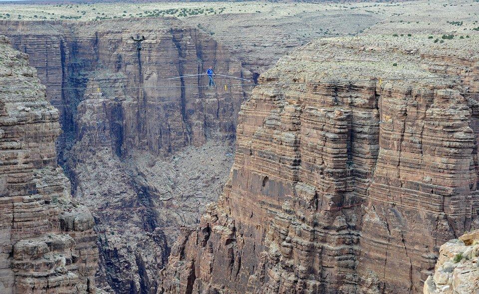Над Гранд-Каньйоном у 2013 році / Getty Images