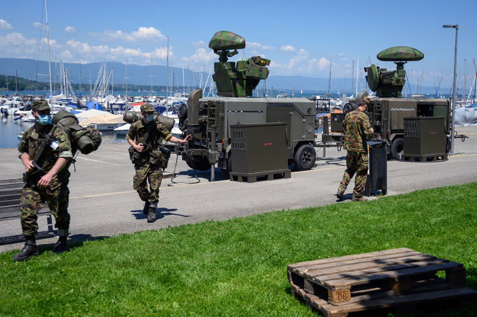 У Женеві зараз підвищені заходи безпеки. Вулиці патрулюють поліцейські та військові / Getty Images