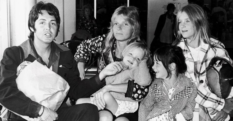 Пол з Ліндою і дочками — Хізер, Мері і Стелою