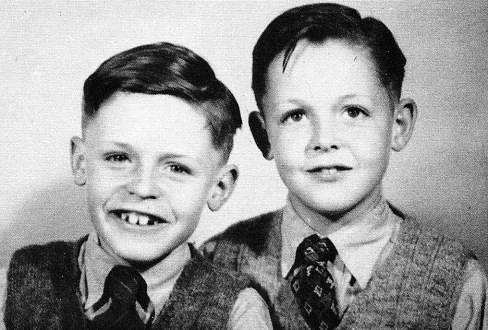 Маленький Пол з молодшим братом Майклом. Той теж став музикантом, а ще письменником і фотографом