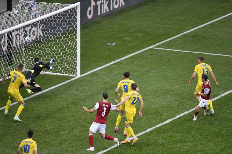 Баумгартнер забиває вирішальний м'яч / Getty Images