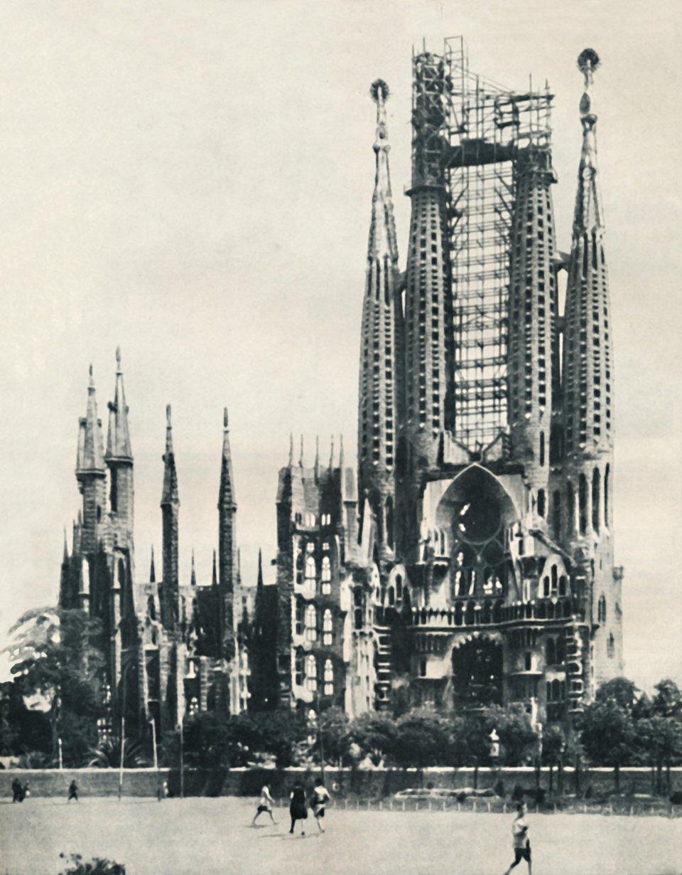Саграда Фамілія у 1935 році / Getty Images