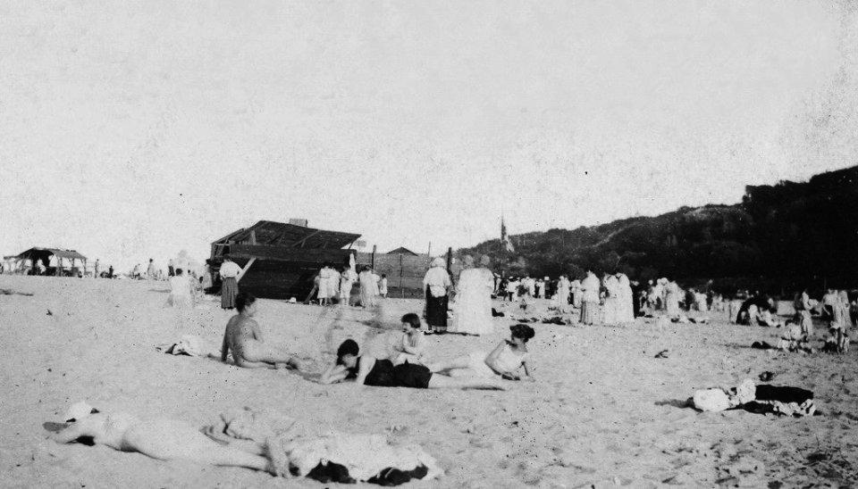 Перші нудисти на київському пляжі. 1918 рік
