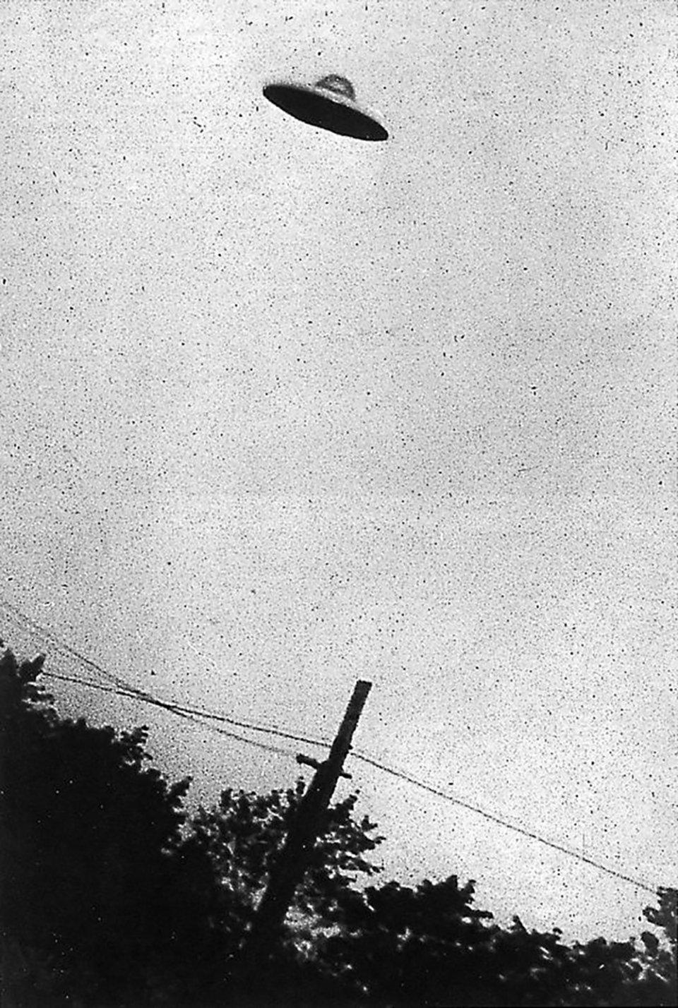 НЛО, якого нібито помітили у Нью-Джерсі в 1952 році. Доведено, що це підробка. З архівів ЦРУ