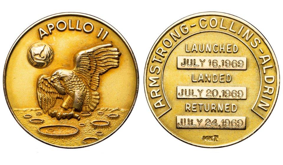 Медаль виконана з 14-каратного золота