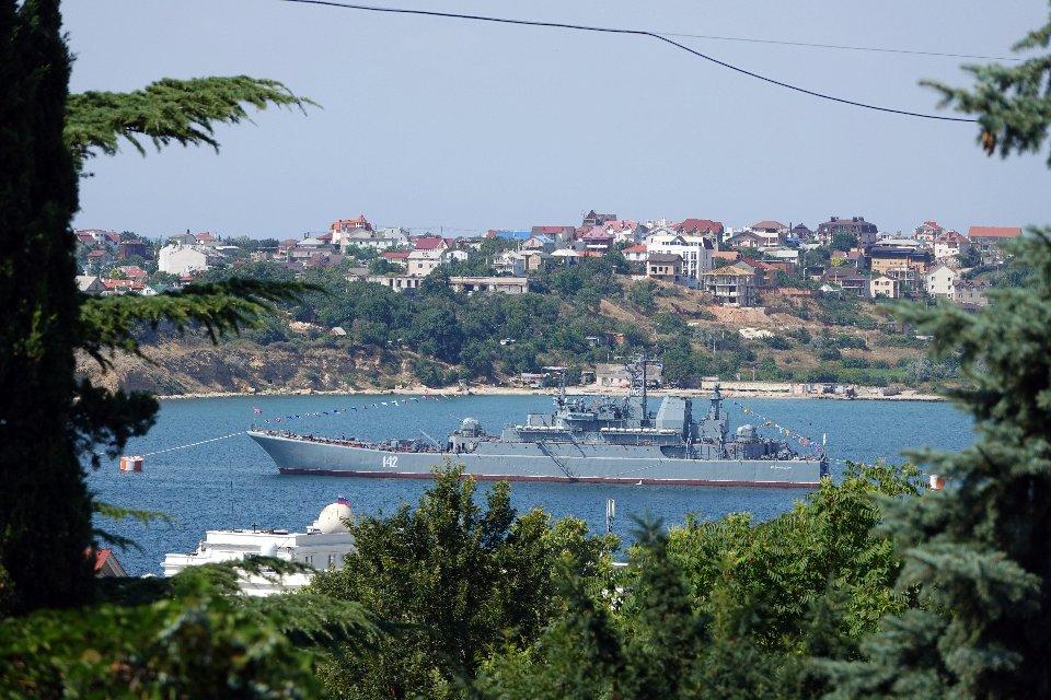 Російський корабель в окупованому Севастополі / Getty Images