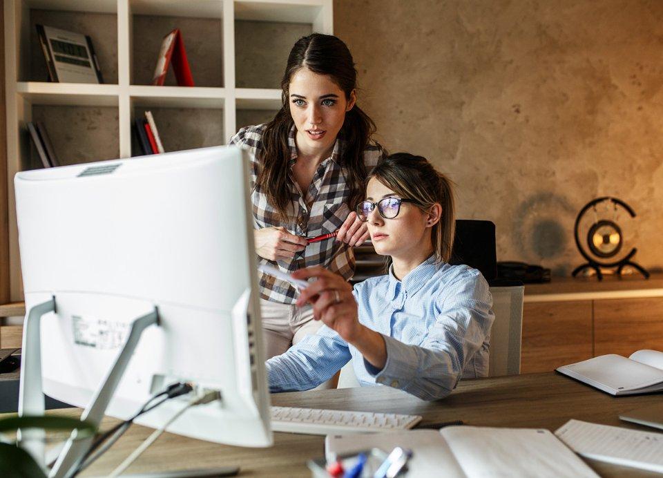 31% міленіалів і 35% представників покоління Z зізналися в тому, що змушені були тимчасово припинити роботу через стрес / Getty Images