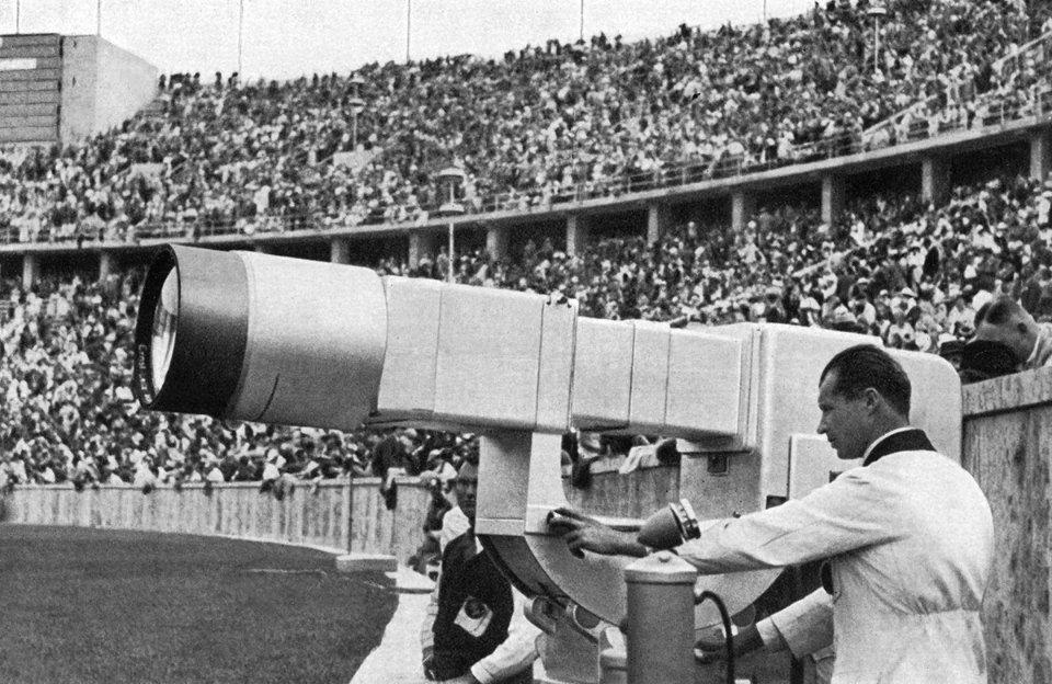 Вперше Олімпійські ігри ожили на екранах в 1936-му, коли проходили в нацистській Німеччині / Getty Images