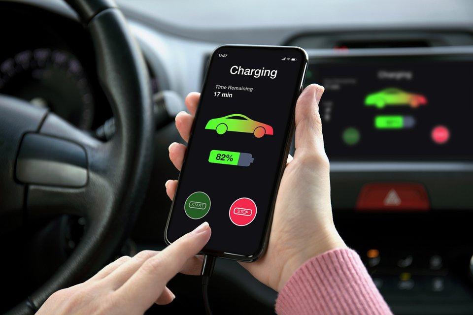 Згідно з прогнозами BloombergNEF, до 2040 року частка продажів електричних легкових авто зросте до 70% (з 4% в 2020-му) / Getty Images