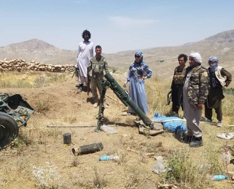 Саліма Мазарі на полі бою з талібами / Shia News Agency