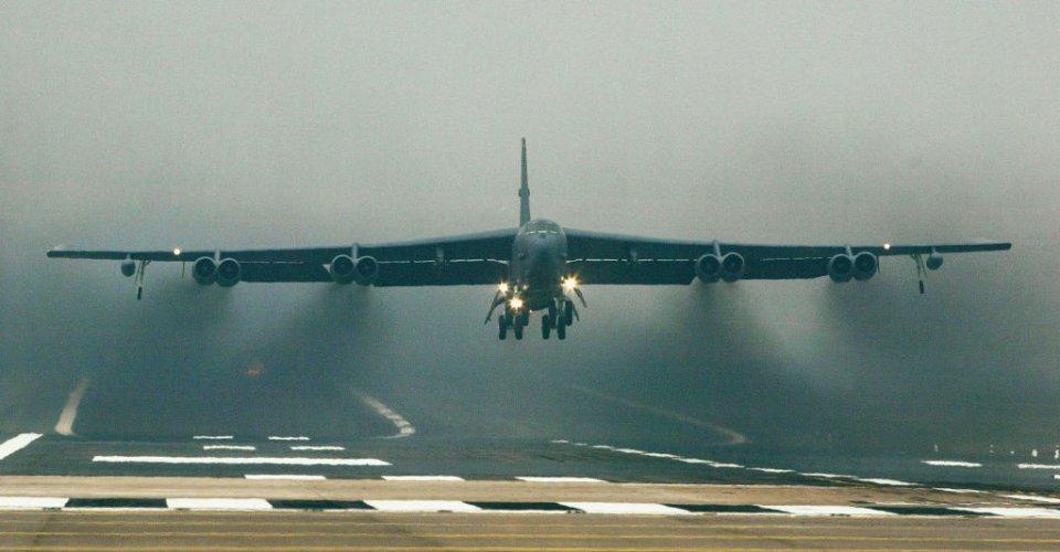 Проліт B-52 над Кримом налякав росіян