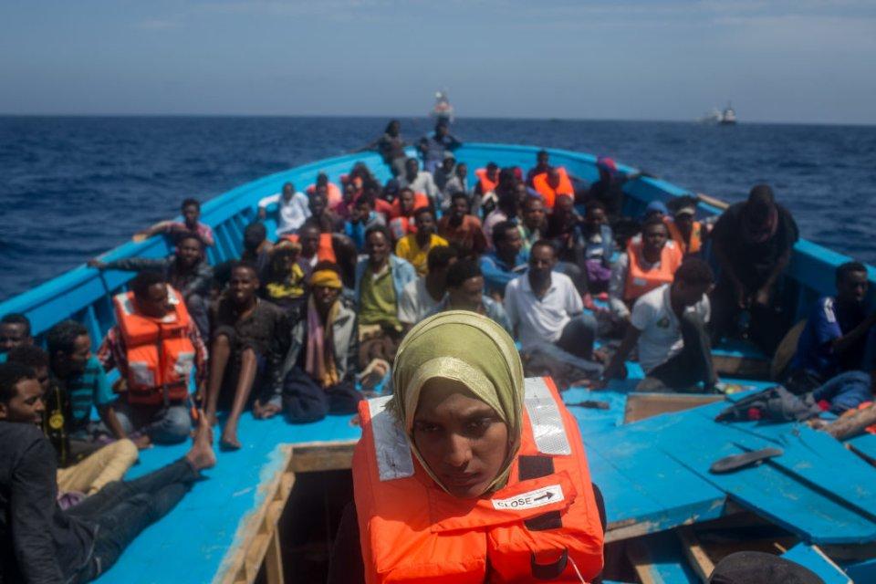 Випадок зі 130 біженцями, яких 19 днів тримали на маленькому човні доводить неефективність існуючої міграційної політики ЄС