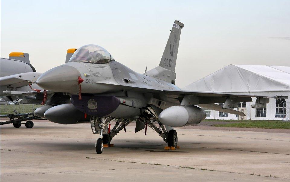 Легендарний F-16 створили у 1974 році. Але випускають дотепер