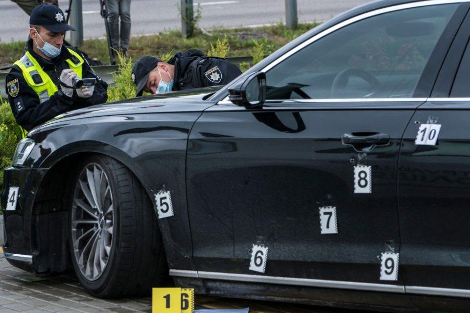 Машина Шефіра після обстрілу