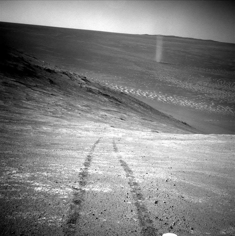 Піщаний диявол, сфотографований марсоходом Opportunity