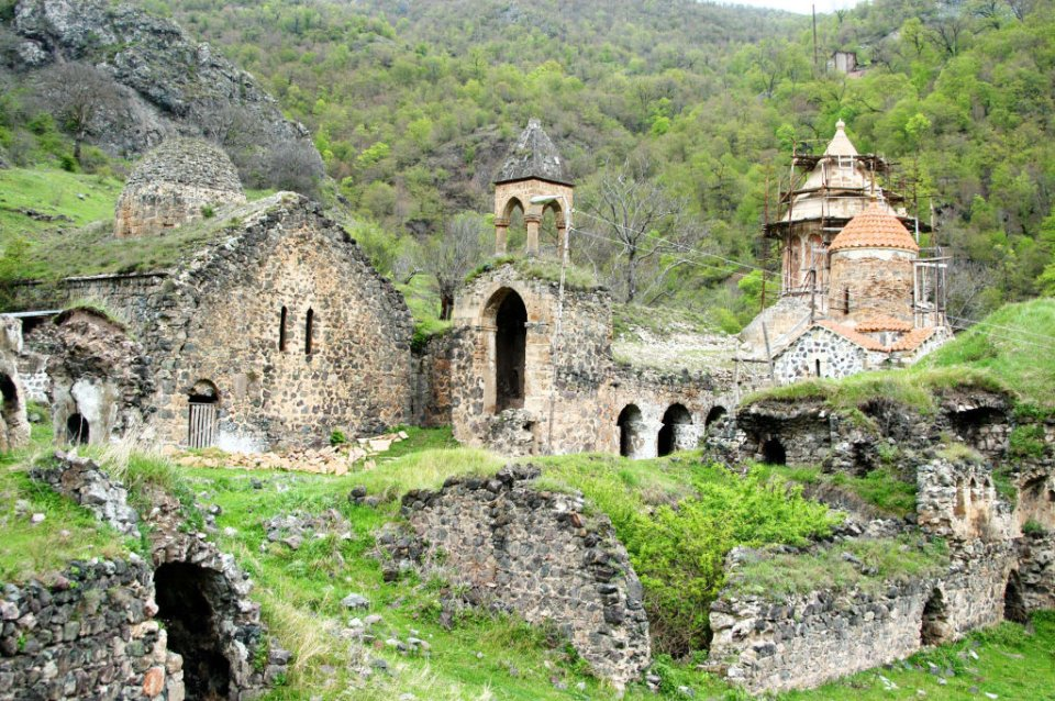 Юридично Карабах — частина Азербайджану, хоча більшість населення — вірмени