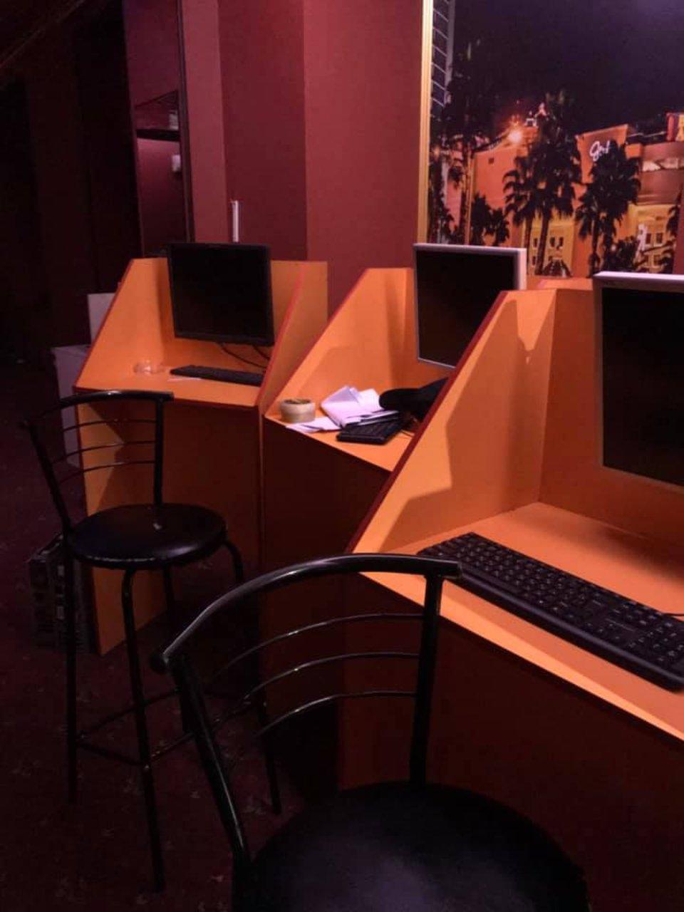 Гральні місця в нелегальному казино / Сhas News