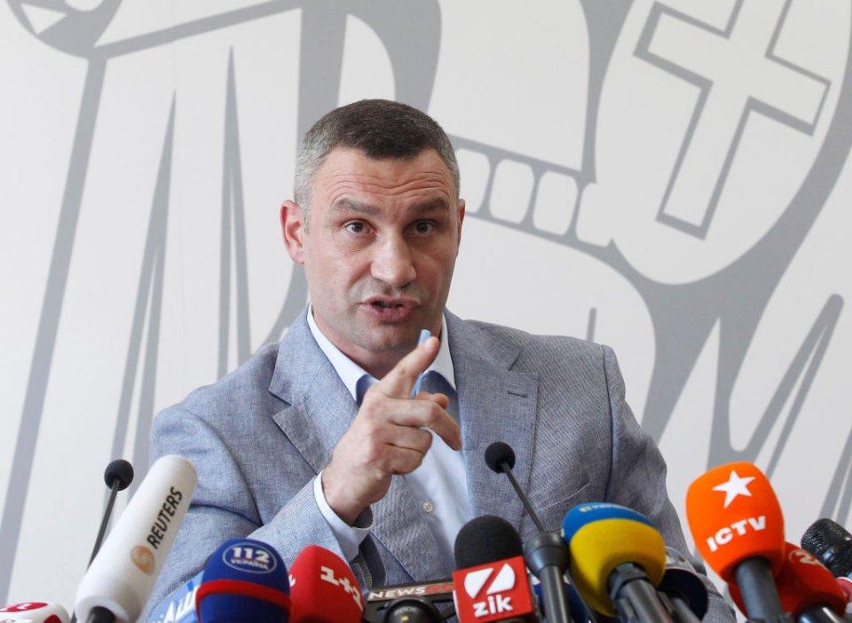 Серед мерів мегаполісів лише Віталій Кличко йшов на вибори від всеукраїнської партії