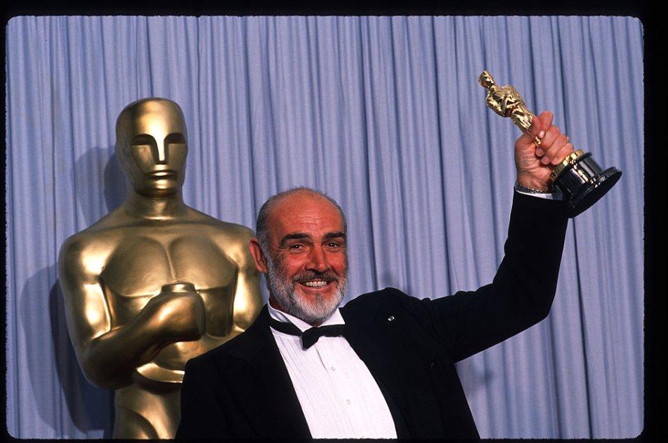 У 1988 році шотландський актор отримав «Оскар» за другорядну чоловічу роль у фільмі «Недоторкані» / Getty Images