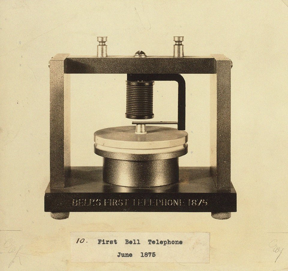 Первый телефон Белла