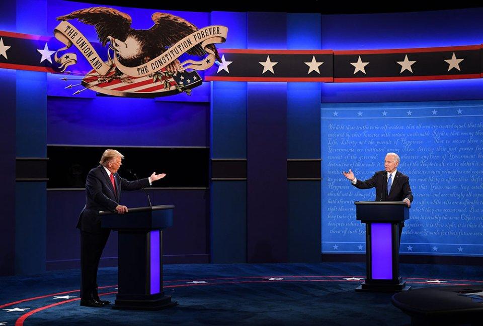 30 вересня 2020 року пройшли найлайливіші дебати в історії США. Трамп  постійно перебивав Байдена, а той у відповідь називав його клоуном та цуциком Путіна. А 100 років тому кандидати віч-на-віч так і не зустрілися