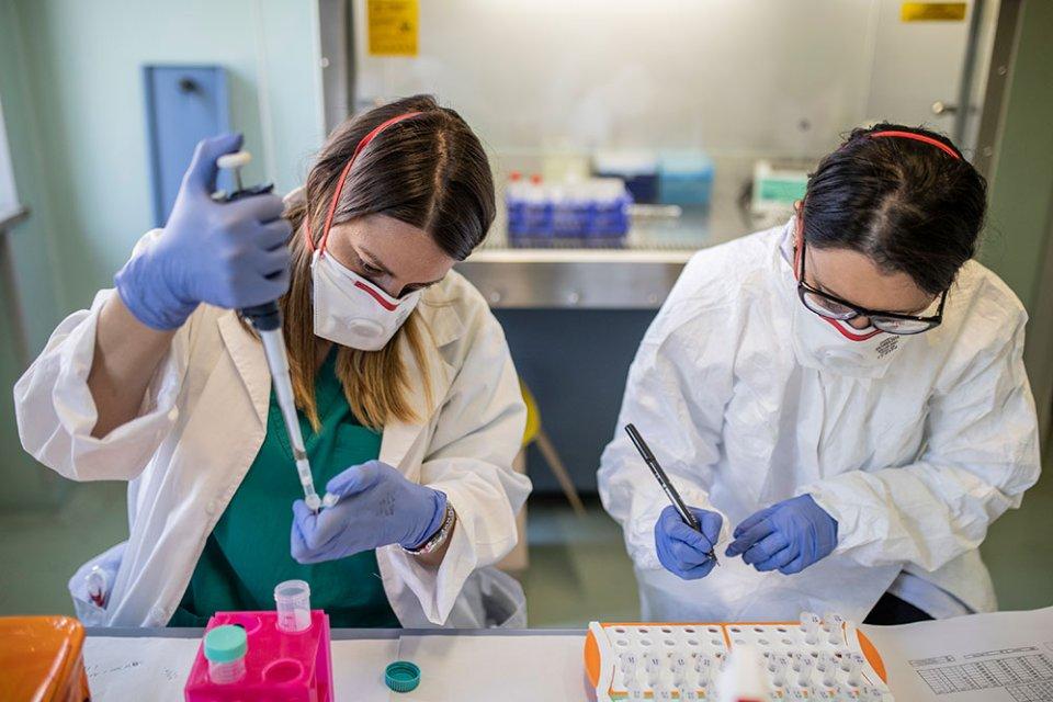 Лабораторні центри в містах-мільйониках обладнані непогано, але наукою там практично не займаються / Getty images