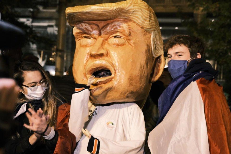 Трамп створив настільки насичений розчин брехні, що став уособленням постправди для американців / Getty images