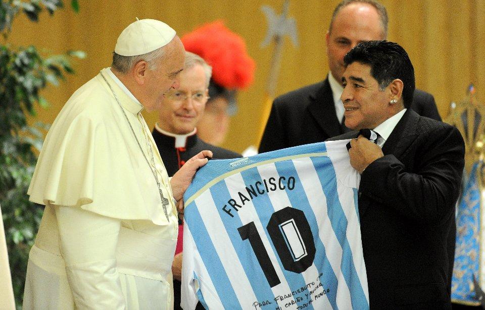 З Папою Римським Франциском у Марадони склалися більш теплі стосунки ніж з Іваном Павлом II / Getty Images