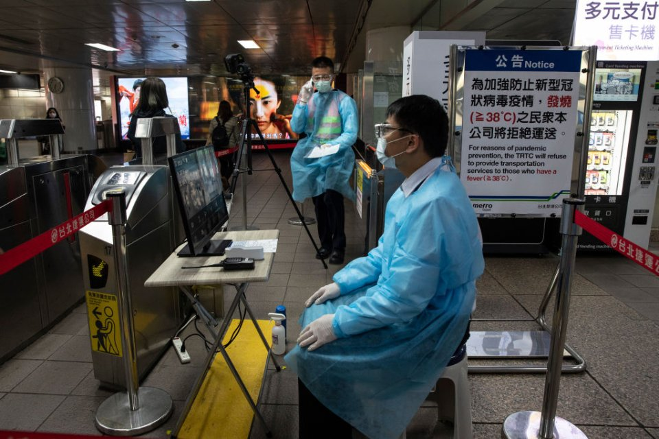 Після епідемії SARS стало зрозуміло, що нові коронавіруси — потенційна загроза для людства / Getty images